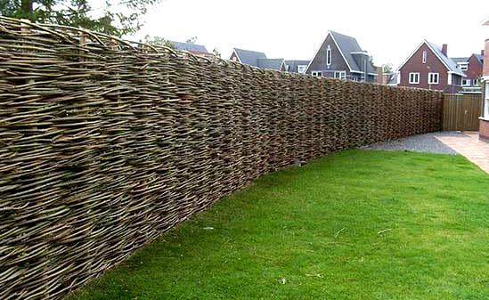 Tuinhappy.nl - wilgentenen schutting