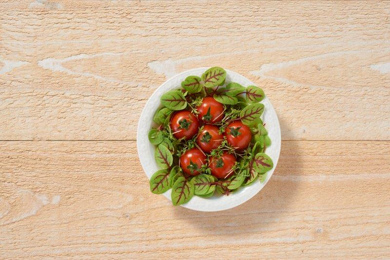 Snijbiet met tomaatjes (baby leaves)