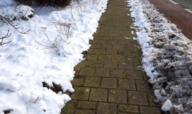 Sneeuwvrij maken eigen stoep